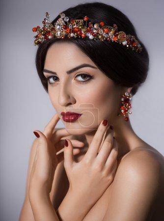 珠宝首饰冠美丽的女人