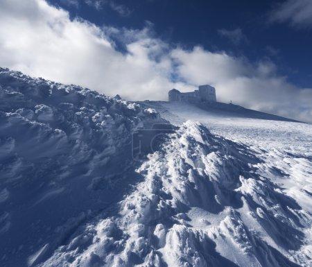 天文台在山冬季景观_高清图片_邑石网