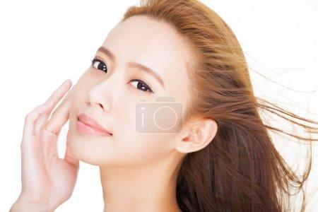 美丽年轻的亚洲女人脸特写_高清图片_邑石网