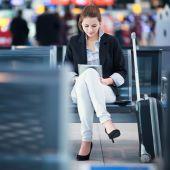 女乘客在机场