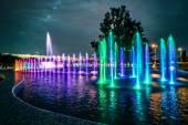 在华沙的彩色音乐喷泉