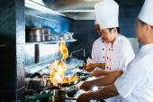 亚洲厨师烹制的餐厅