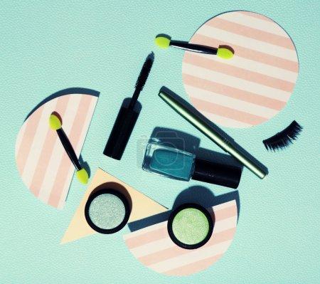 化妆品对论文的背景