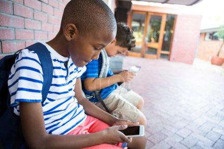 小学生使用手机