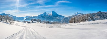 与 Watzmann 地块,德国巴伐利亚阿尔卑斯山冬季景观