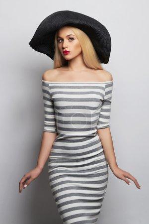 美丽的女人的帽子_高清图片_邑石网