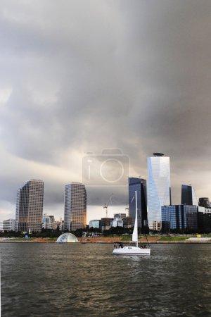 邯钢河附近的摩天大楼