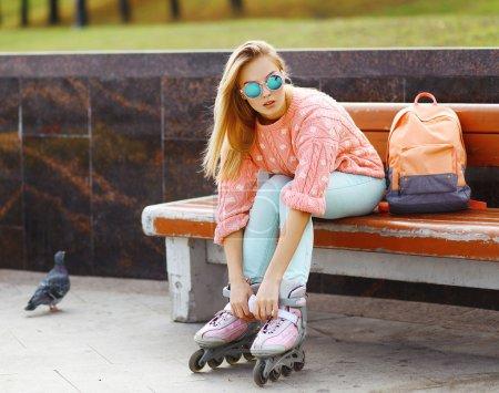 极端、 乐趣、 青年和人民的概念 — — 漂亮时尚的金发 g_高清图片_邑石网