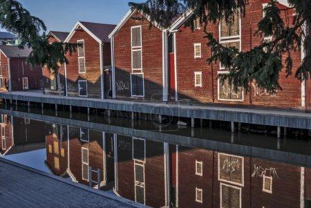 钓鱼在 Hudiksvall,瑞典城市中心仓库