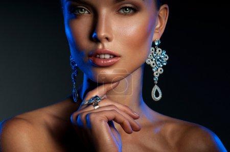 美丽的珠宝女人