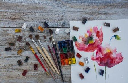 水彩颜料、 画笔、 画的花